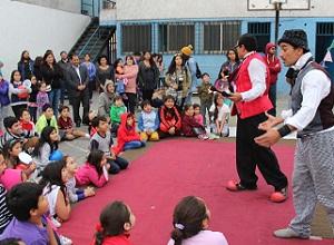 Con Feria Costumbrista realizan lanzamiento de los barrios típicos, Paseo Baquedano y El Morro