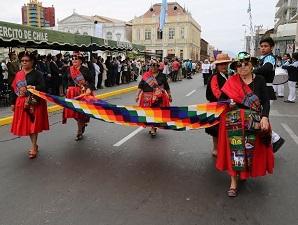 Masivo desfile por constitución hace 136 años del Municipio de Iquique